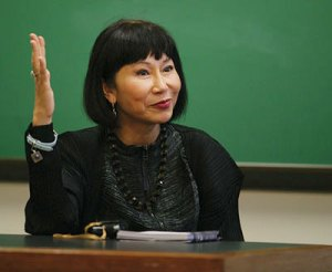 Amy Tan, so eloquent, bright & beautiful