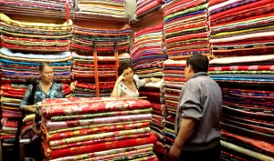 selecting fabric for Chinese-style dresses